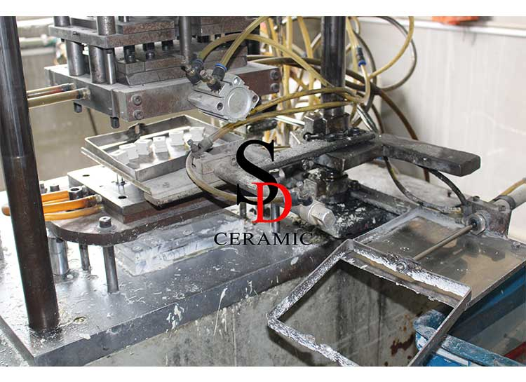 Automatic Hot Injection Machine-3